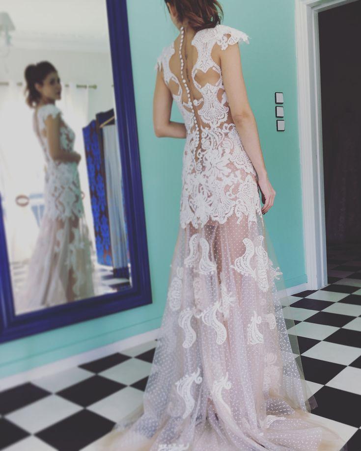 Fittings @renatamarmarahautecouture  #maisonrenatamarmara #hautecouture #handmade #bridaldress #weddingdress #bride #wedding #dress #boho #bohowedding #bohochic #bohodress