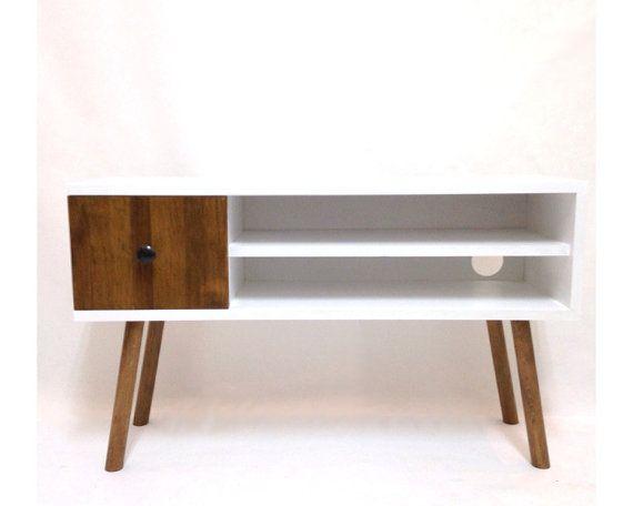 25 beste idee n over tafel opslag op pinterest koffietafel opslag houten pallet tafels en - Verf credenza ...