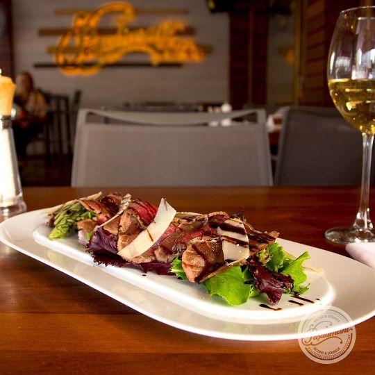 BONFİLE CARPACCIO İnce dilimlenmiş çiğ dana bonfile, roka, parmesan peyniri, zeytinyağlı limon sos ve glaze balsamik. #bonfilecarpaccio