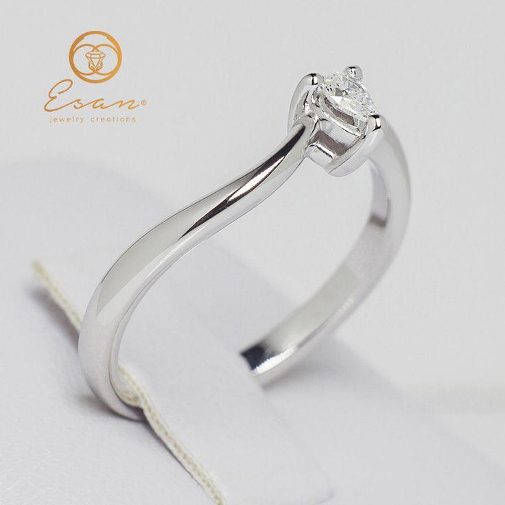 Inel de logodna din aur alb cu diamant lacrima ES125