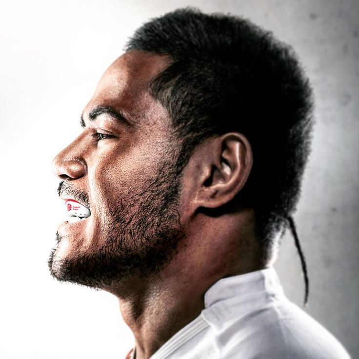 Manu Tuilagi sporting the England RFU mouth guard