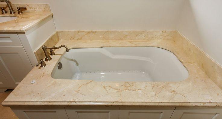 #bathroom #bathtub #tub #luxury #cremamarfil #marble #delraybeach #southflorida #natureofmarble #marblebath #marblebathroom #marbletub