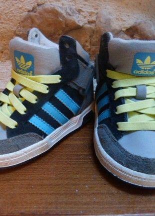8cf71e0122889 À vendre sur  vintedfrance ! http   www.vinted.fr mode-enfants chaussures- chaussures-bebe 45311475-basket-adidas-beb…