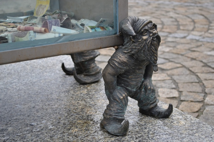 Gnomes working for charity in Wroclaw #dwarf #dwarves