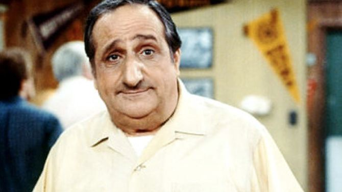"Al Molinaro: 'Happy Days' Actor Dies at Age 96 Molinaro died in a Wisconsin hospital on Thursday, his son confirmed. He was known for playing Al Delvecchio on the ABC sitcom ""Happy Days"" and for his role in ABC's ""The Odd Couple."""