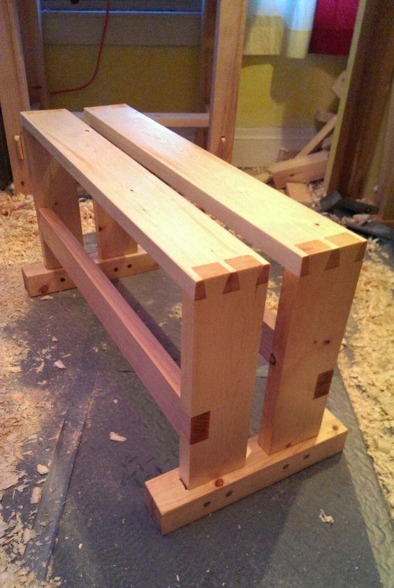 Stumpy Nubs video - Build a $10 Split-Top Saw Bench