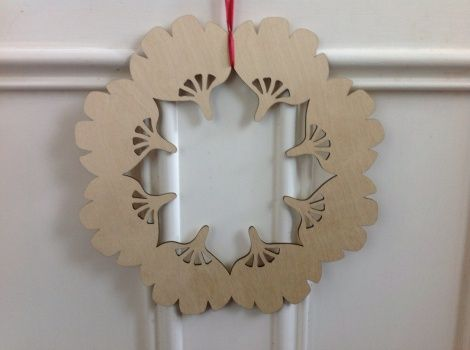 Summer Christmas Wreath - Pohutukawa (reverse) in FSC approved ply