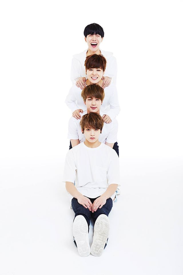 Para celebrar el próximo segundo aniversario del grupo desde su debut, BTSha continuado emocionando a sus fans con una serie de eventos especiales para'2015 BTS FESTA'el cual empezó le 1 de junio y continuará hasta el aniversario oficial el 13 de junio. El 10 de junio, BTS reveló una serie de adorables imágenes familiares, que …