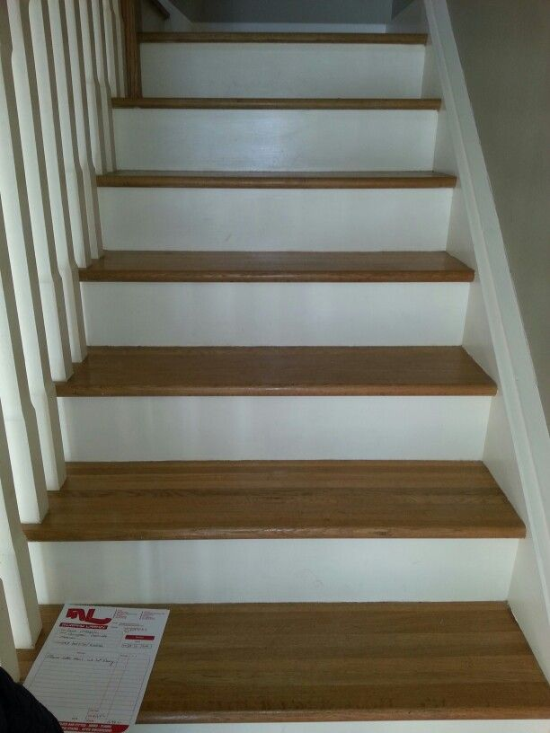 Oak Stairs With White Risers
