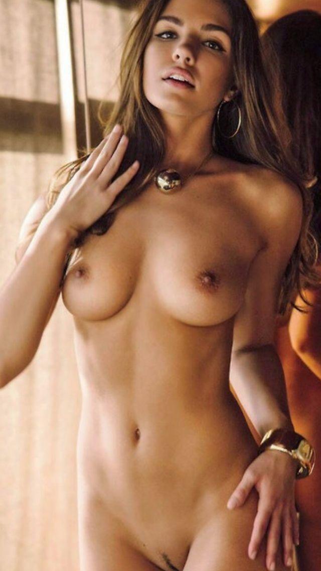 Classy nude pretty woman