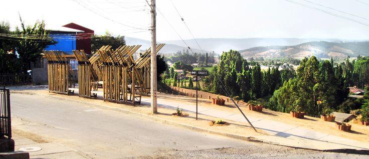"""Estabilidad, Materia y Paisaje: """"Paseo/Mirador Eucaliptus"""" en Curepto, Chile,© Ingrid Morales Castro"""