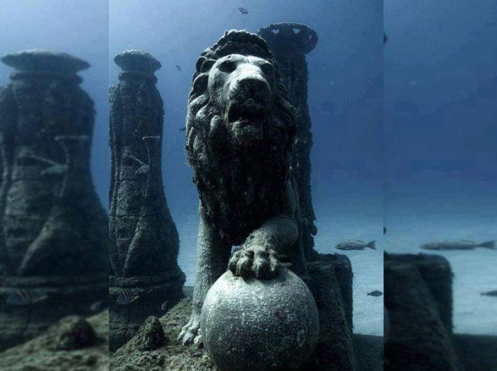 Cleopatra's-underwater-palace,-Egypt-.