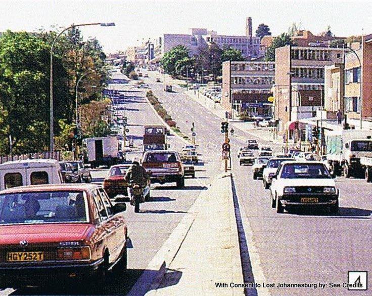 Jan Smuts Avenue - looking North