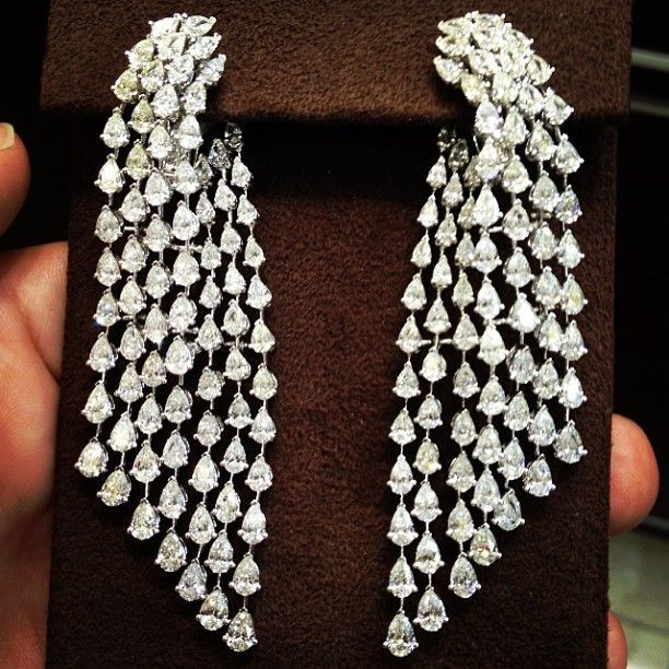 One of our favorite drop earrings set with pear shaped diamonds #diamonds…