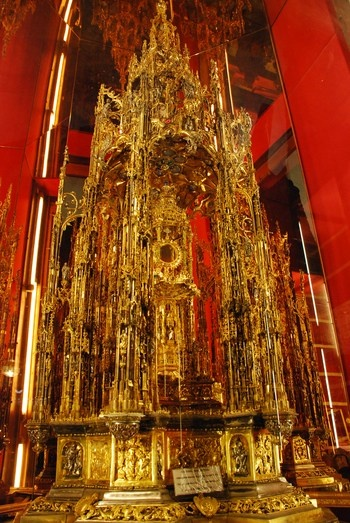 Monstrance  Toledo Cathedral, Spain  Not sure what to pin... it is all so beautiful.