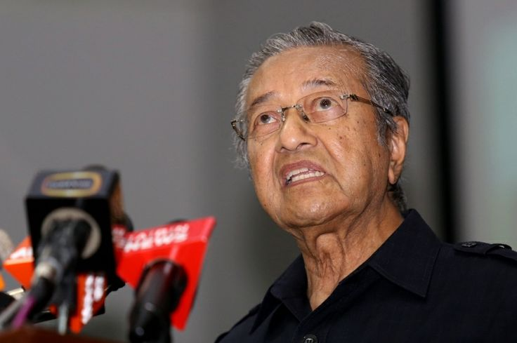 Tun Dr Mahathir Mohamad criticised Islamist group Ikatan Muslimin Malaysia (Isma) for trying to instigate racial tensions by claiming that the Chinese are intruders in the Malay homeland. — Picture by Saw Siow Feng