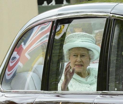 hmmmmmRoyal Families, Queen Elizabeth, Diamonds Jubilant, Leaves Buckingham, The Queens, Buckingham Palaces, Elizabeth Ii, Queens Elizabeth, Diamonds Jubilee