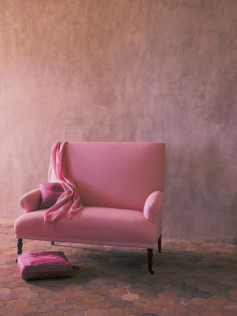 pink, pink, pink chair: Home Interiors, Architecture Interiors, Design Interiors, Interiors Design, Hotels Interiors, Pink Chairs, Upholstered Chairs, Studios Couch, Interiors Ideas