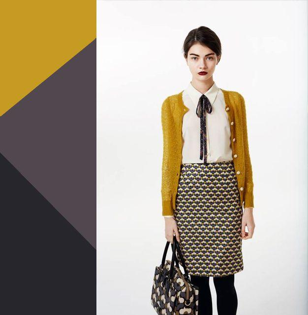 Пряная горчица: 9 цветовых сочетаний с модным оттенком осени 2016ГОРЧИЧНЫЙ + СЕРЫЙ   В таком варианте горчичный цвет выступает тем самым активным цветовым вкраплением, которое задает настроение всему комплекту. Идеально, если вы сможете поддержать его мелкой ненавязчивой деталью – макияжем, аксессуарами или мелкими деталями отделки одежды.