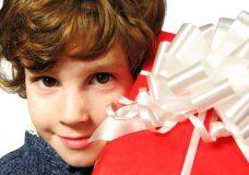 Cómo ahorrar hasta un 30% en el regalo de los chicos. Los bancos salieron con todo a ofrecer descuentos especiales en jugueterías y otros rubros infantiles. El detalle completo acá www.minutouno.com/c296075