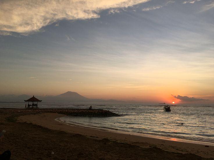 Morning sunrise, Pantai Sanur, Bali, Indonesia