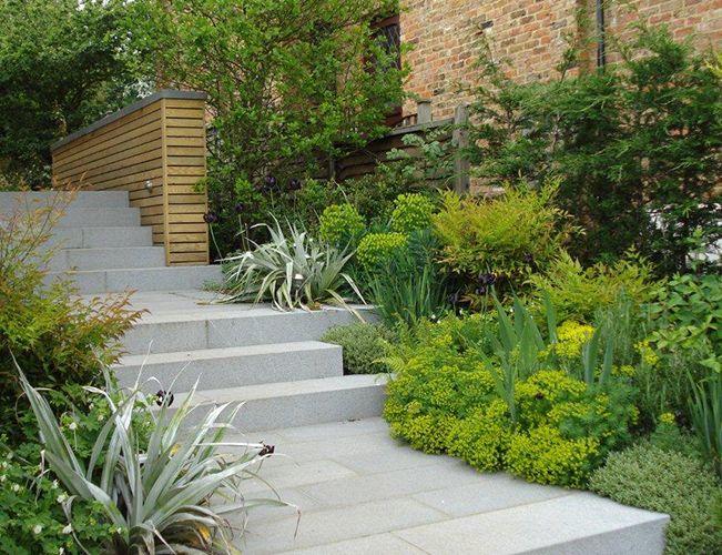 Small Huf Haus by Andy Sturgeon Landscape and Garden Design, Bledlow Ridge, Buckinghamshire