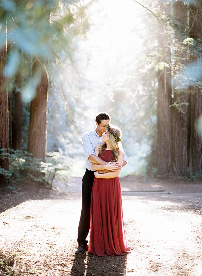 Light Filled Engagement Photos in The Redwoods – MATERNITY PHOTOGRAPHY
