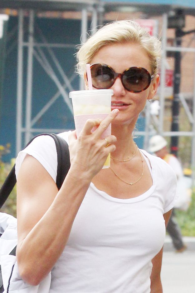 The Cameron Diaz | Middle Fingers - 43 Types (Pix) of Celebrity  --- http://www.buzzfeed.com/whitneyjefferson/celebrity-middle-fingers#3nohv8n  http://buzzfeed.com/whitneyjefferson/celebrity-middle-fingers  http://www.buzzfeed.com ---