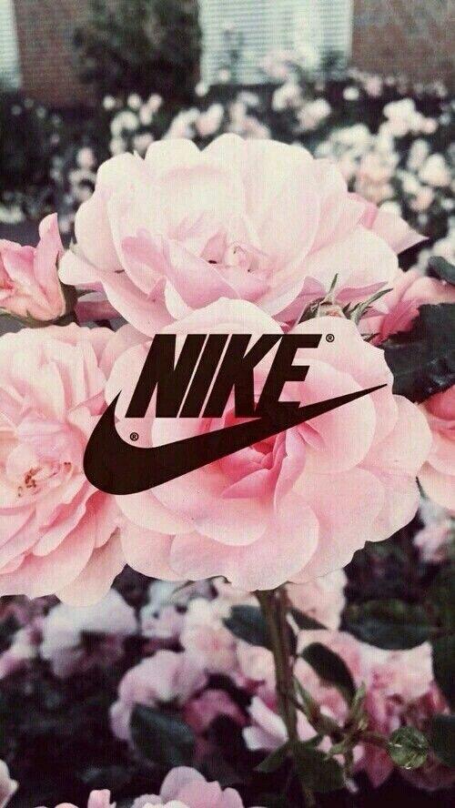 Nike mit Blumen