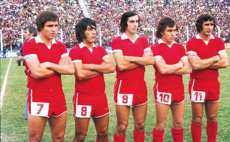 La gran delantera de los diablos Rojos del 1975, con Daniel Bertoni, Rubén Galván, Ricardo Ruiz Moreno, Ricardo Bochini y Luis Giribet.