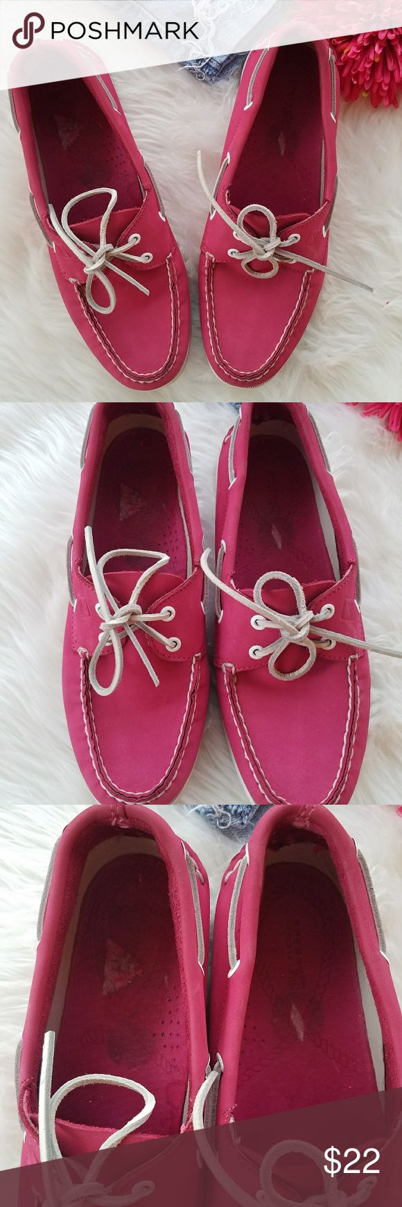 Pink Sperry Top sider Pink Sperry Top sider Bringing optimum style, featuring a leather upper and rawhide laces. Non-marking rubber outsole with Wave-Siping for ultimate wet/dry traction. Shoes have signs of wear, dirt,  scuffing and creasing. They need cleaning. Please note shoes have leather peeling in the inside on both shoes, not noticeable when wearing. Refer to last picture. Sperry Top-Sider Shoes
