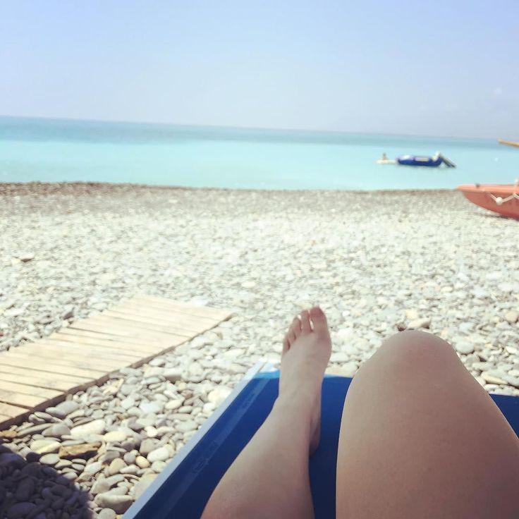 Giuro che è per lavoro  #Fb #bordighera #bordigheralove #mareligure #beachlovin #happyme #seaview #spiaggiastupenda #ig_liguria #igersliguria #ig_beaches #classicafotodamare #igersoftheday
