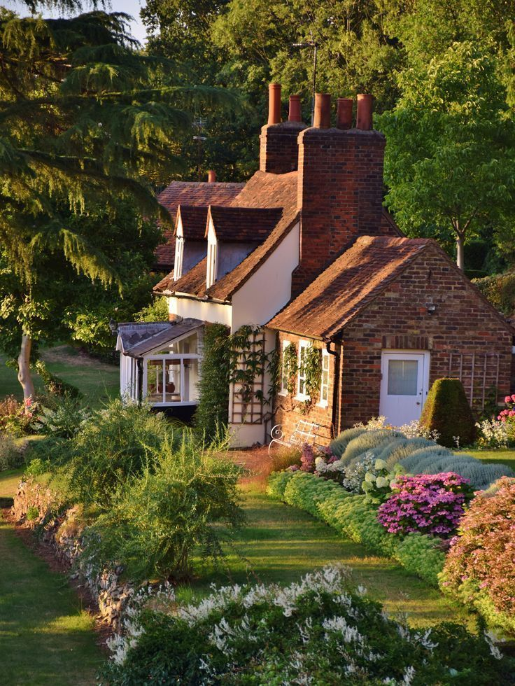 10 Inspiring English Cottage House Plans In 2020 Country Cottage Garden Cottage Garden Country Cottage