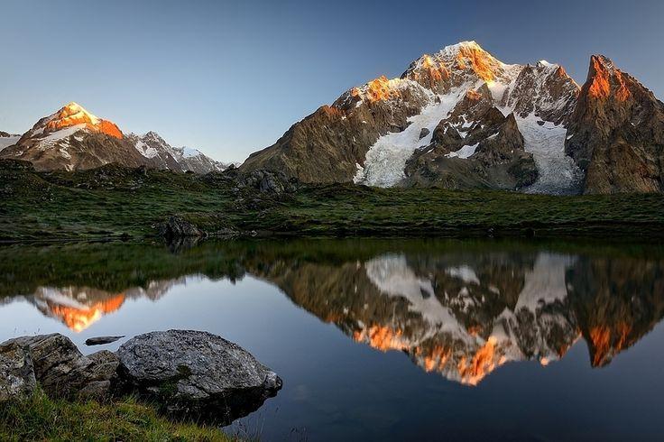 Land of the crimson dawn by Davide Azzetti