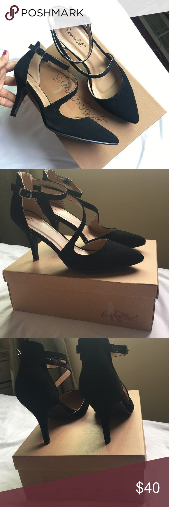 NWT BLACK SEXY HEEL Women size 8. From tillys. Brand is bonnilel. With original box. Very comfy heel. Stylish. Chic and fashion first hand. New with original condition. Never worn. Not Steve Madden, just for exposure. Steve Madden Shoes Heels