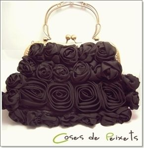 Bolso fiesta negro con rosas de Coses de Peixets Palabra de www.palmiracompilar.com #homenajeatuangel