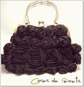 Bolso de fiesta con rosas de Coses de Peixets
