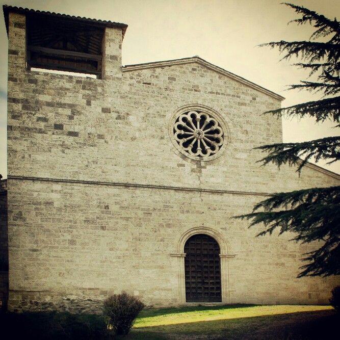 La Chiesa romanica di San Vittore #terredelpiceno #marchetourism #destinazionemarche #piceno #picenopass #marche