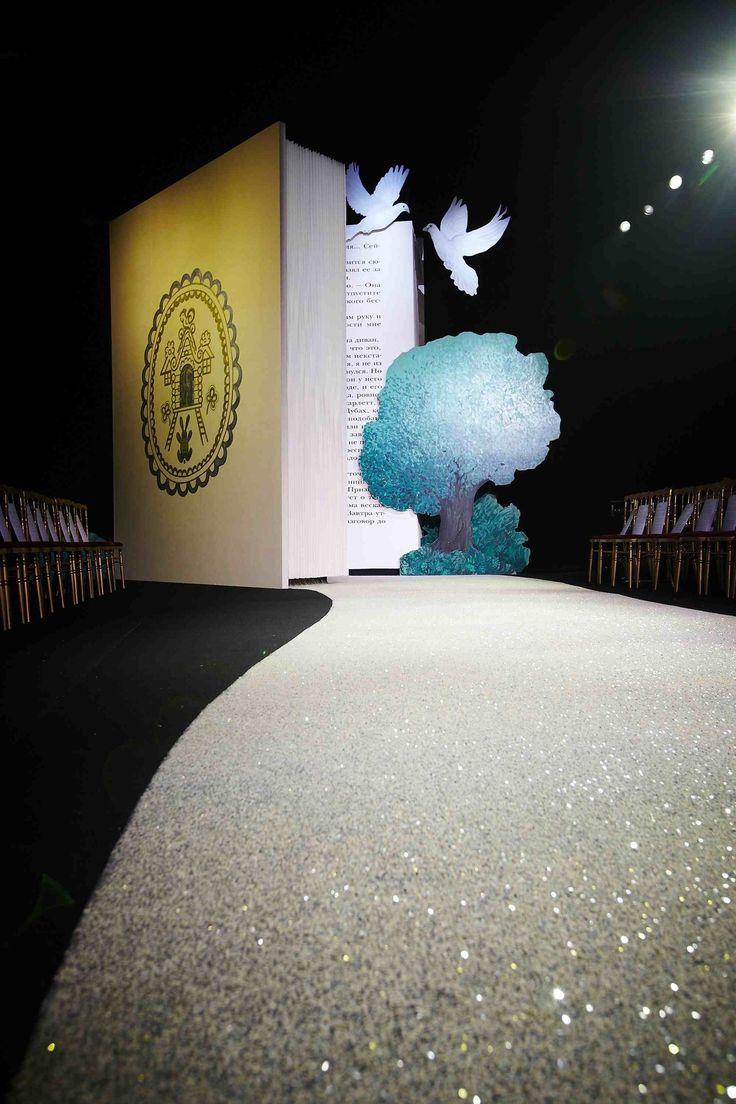http://blog.bureaubetak.com/post/41227128370/ulyana-sergeenko-couture-ss13-theatre-marigny