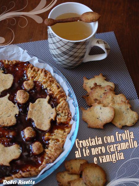 Crostata con frolla al té nero caramello e vaniglia