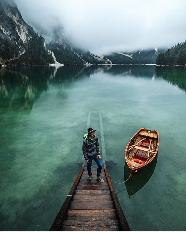 Lago di Braies, Italy  Photo by @zeppaio