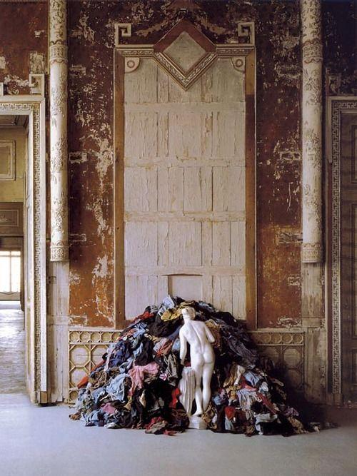 arte povera movement in modern art Arte povera (1966-71): definition, origins of raw materialist junk art movement, founded by germano celant.