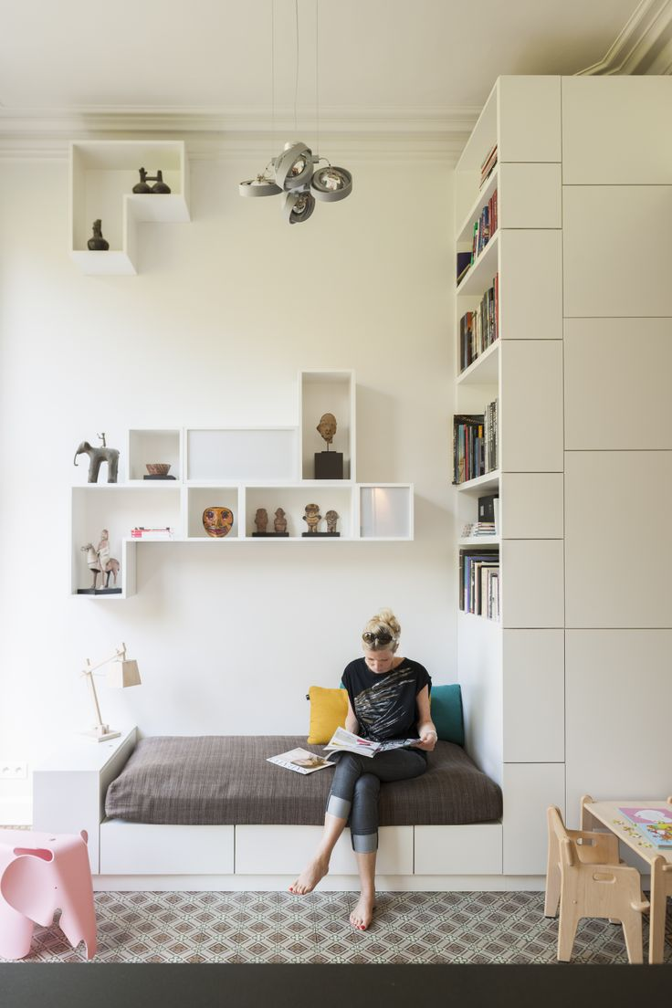 House in Brussels - furniture by Filip Janssens - Photo by Luc Roymans