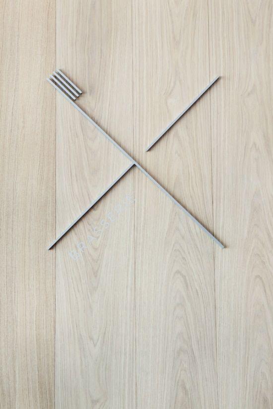 une enseigne minimaliste pour un restaurant