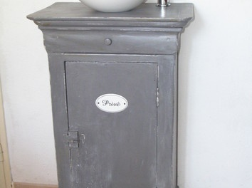 Récup chevet ancien en meuble lave-main - Par lespetitslous sur le #cdb