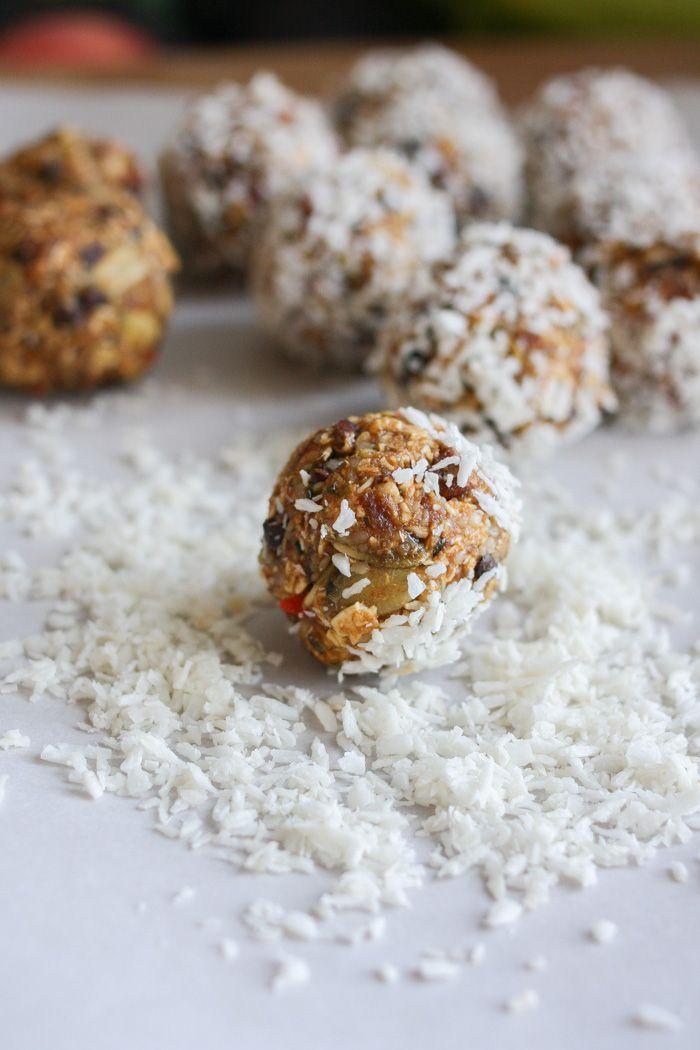 Raw superfood balls and bars