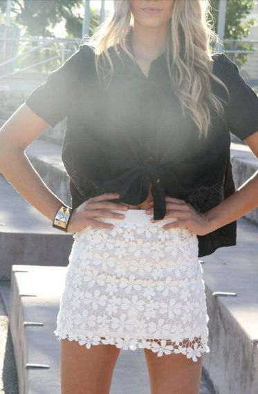 black and white: Black N White, Black And White, Cute Outfits, Belly Shirts, Shirts Skirts, Crochet Skirts, Black Tops, Cute Skirts, Lace Skirts