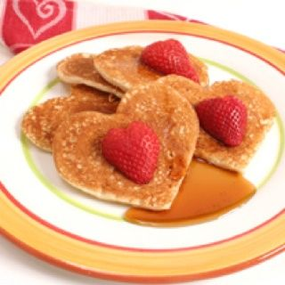 <3 My Mom Always Did This For Us! Heart Shaped Pancakes! | Valentines