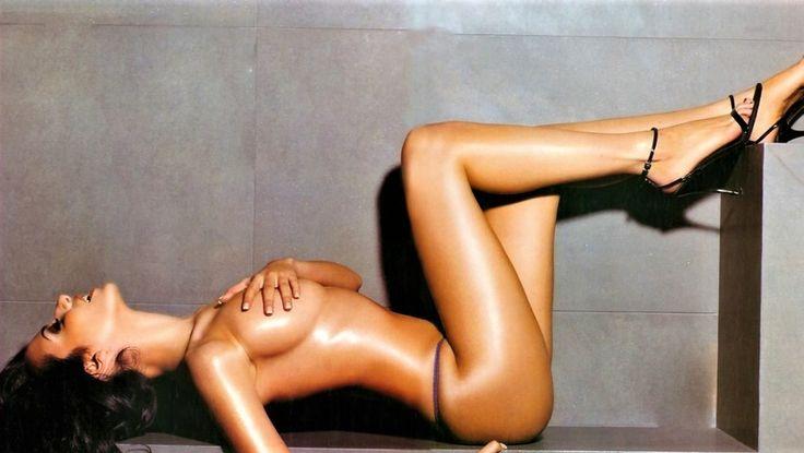 Η Νικολέττα Ράλλη ξέρει από γυμνό και το αποδεικνύει στις πιο «καυτές» της λήψεις… (pics)Ένα όνομα, μια ιστορία στις ανδρικές φαντασιώσεις – και όχι μόνο… > http://arenafm.gr/?p=274474