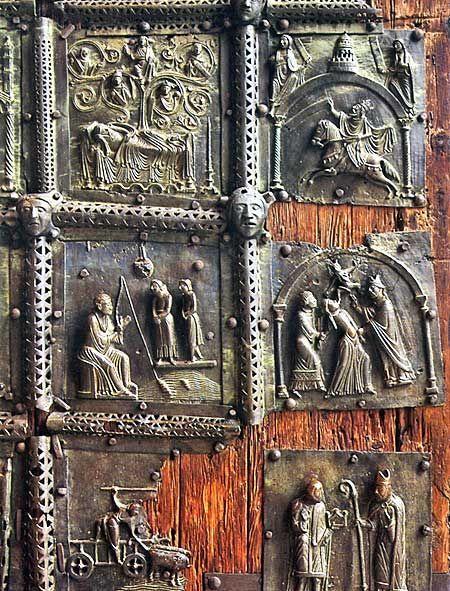 The bronze door of the west portal of Basilica of San Zeno, Verona, Italy Разгледай...